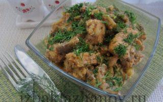 Курица в баклажанном соусе с орехами