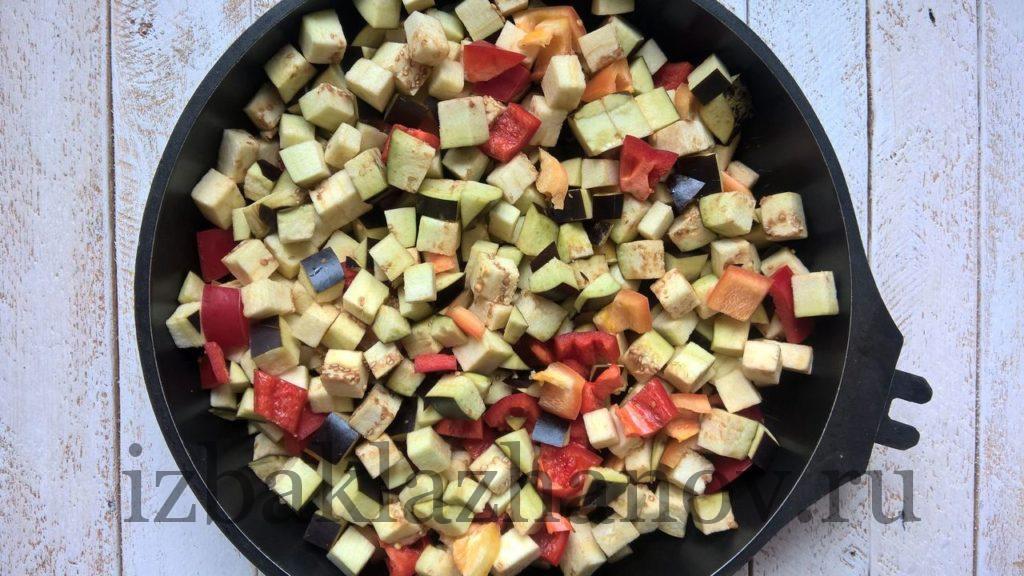Овощи для пп-салата запекаются
