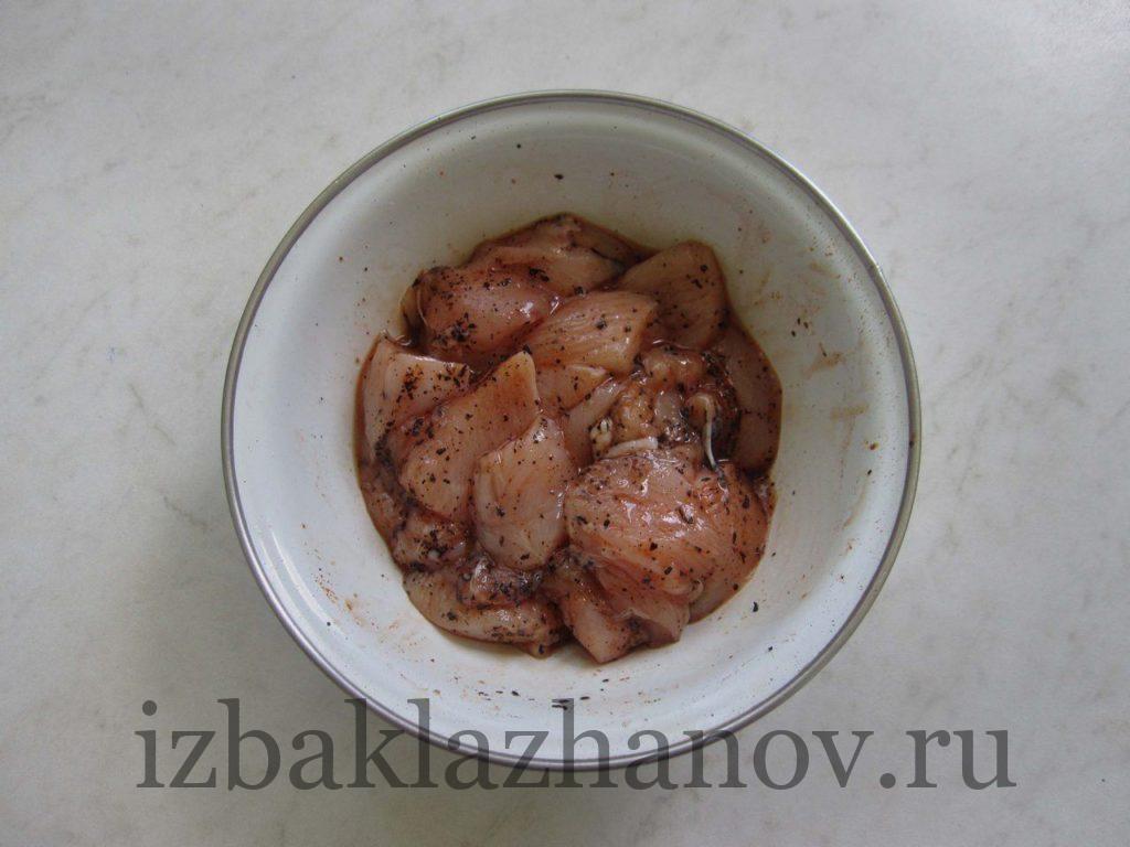 Куриное филе кусочками со специями
