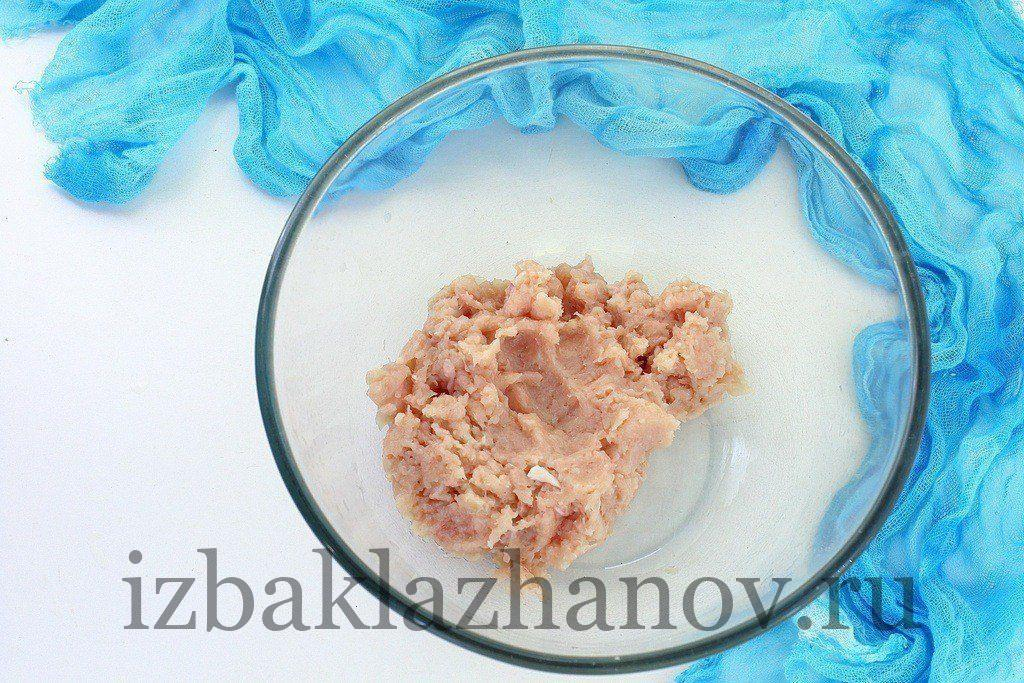 Куриное филе для фрикаделек с кабачком