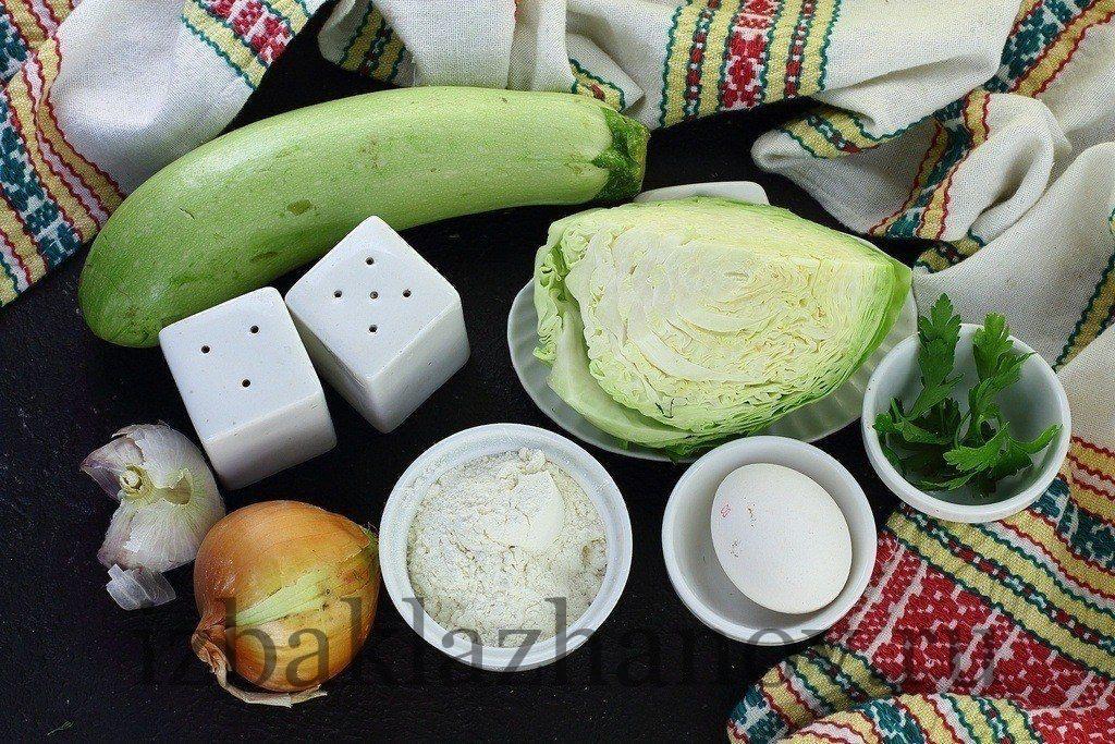 Игредиенты для котлет из кабачка и капусты