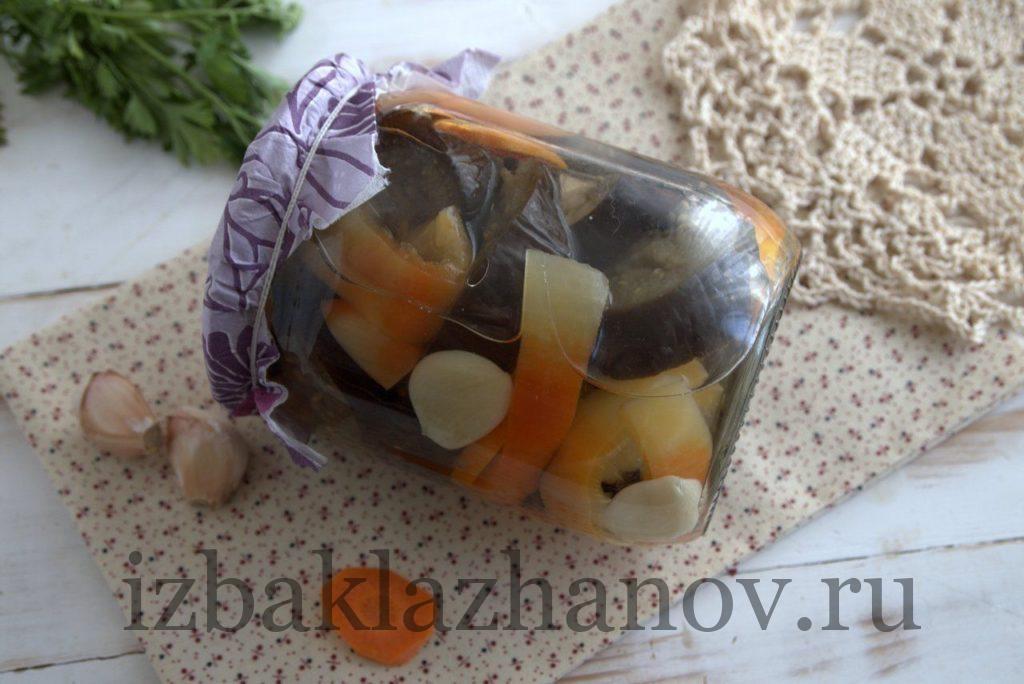 Маринованные баклажаны с морковью и перцем на зиму очень вкусные.
