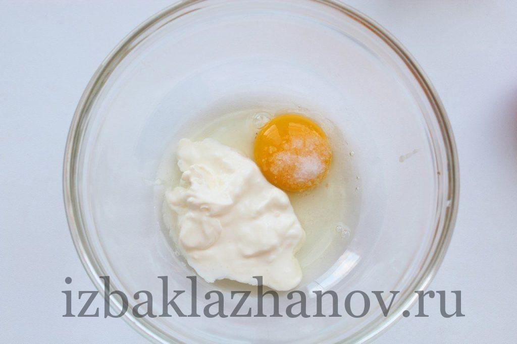 Готовка кляра для теплой закуски из кабачков