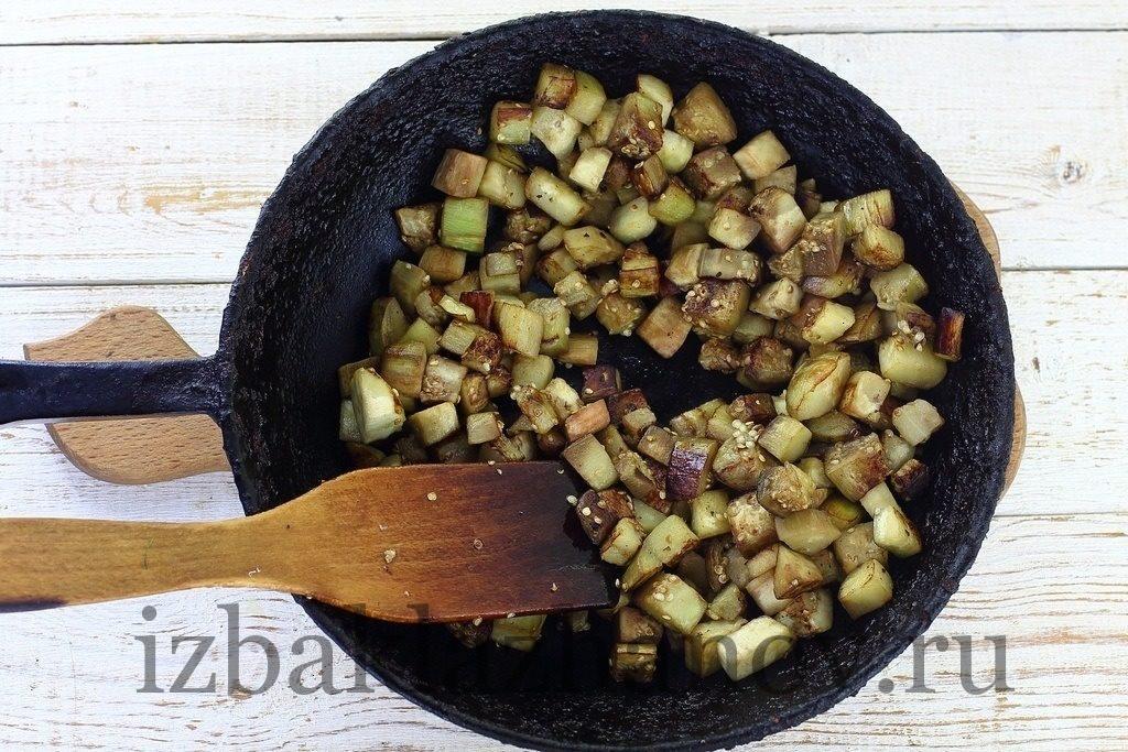 Баклажаны обжариваются для супа