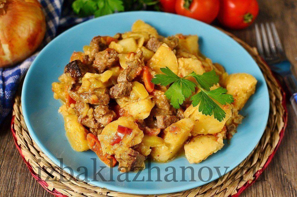 Самые вкусные кабачки с картофелем и свининой в сметане