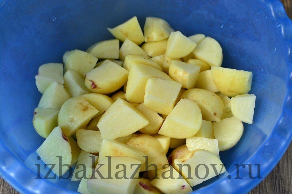 Картошка кубиками для свинины и кабачков
